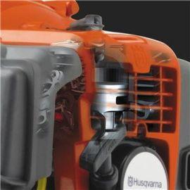 Motore X-Torq® Il design del motore X-Torq® riduce le emissioni nocive dei gas di scarico fino al 75% ed incrementa l'efficienza del carburante fino al 20%.